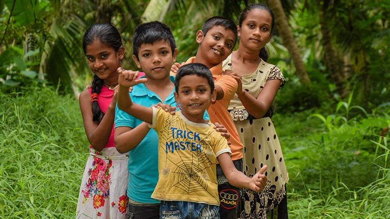 Avunsaajaperhe Sri Lankassa