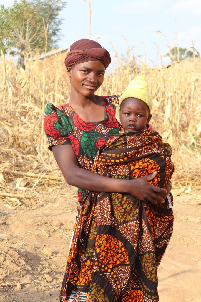 Nuori äiti Tansania