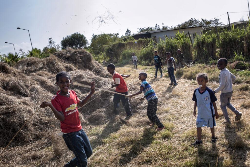 Leikkiviä lapsia Etiopian Jimmassa